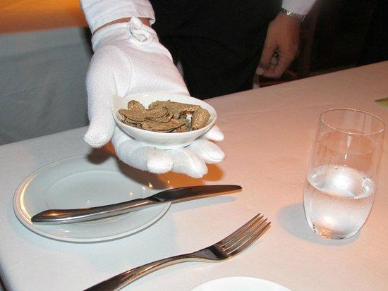 Shangri-La's Rasa Ria Resort & Spa : truffle shavings at the Ocean Restaurant