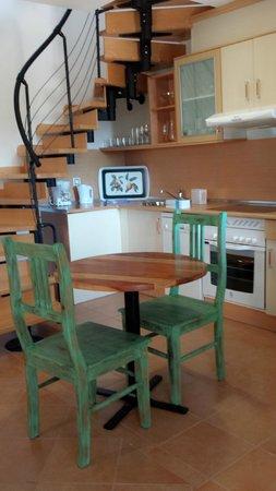 Pierre & Vacances Village Club Fuerteventura Origo Mare: Kitchen + living room