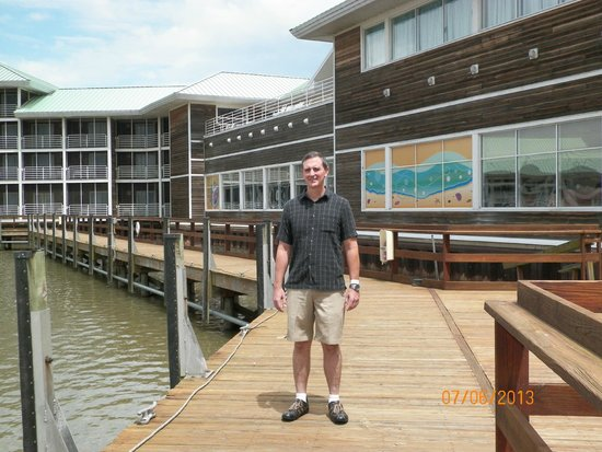 Castaway Bay : A walk along the boardwalk