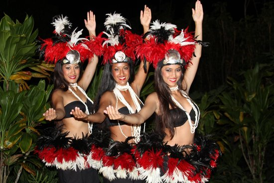 Kauai's Best Luau - Hawaii Alive!: Drum beats of polynesia pulsate throughout.