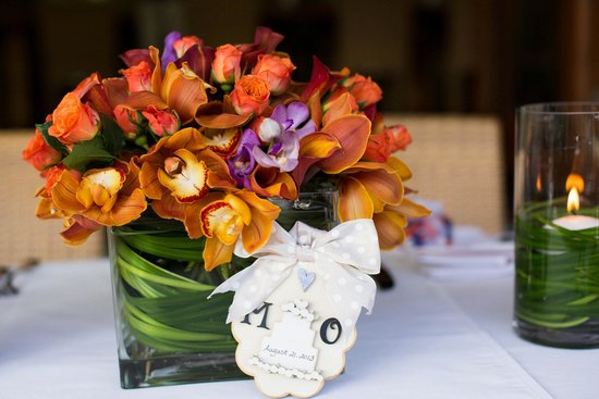 Plantation Gardens Restaurant: Flowers by Martin Roberts. Kelly Lemon Photography