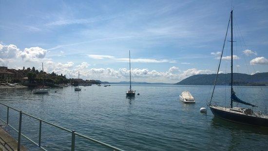 Hotel Pesce d'Oro : vista lago