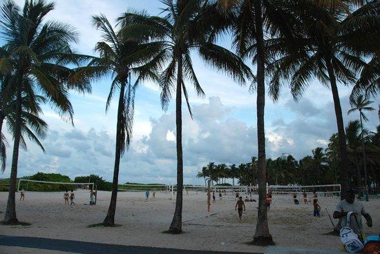 Miami Beach Boardwalk: Beach side