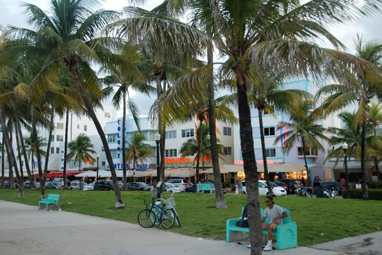 Miami Beach Boardwalk: Boardwalk