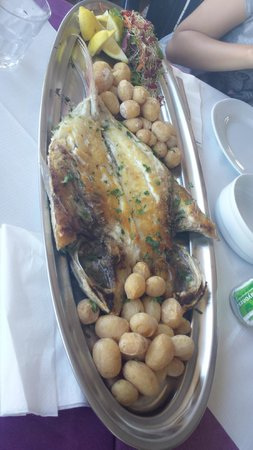 Azzurro Chill Out: Fish of the day for 4 people