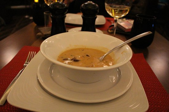 Memories Grand Bahama Beach and Casino Resort : Dining at H Steak House
