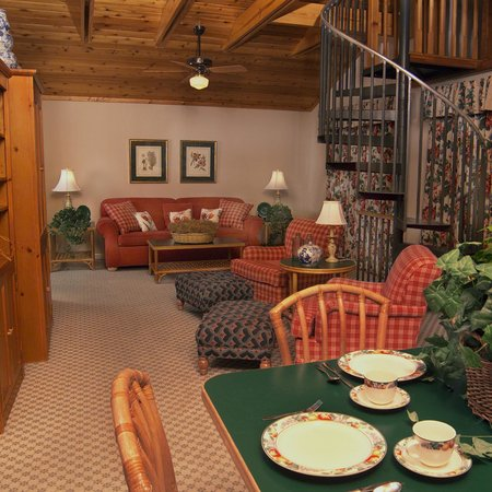 Refuge Inn: Large Suite with loft