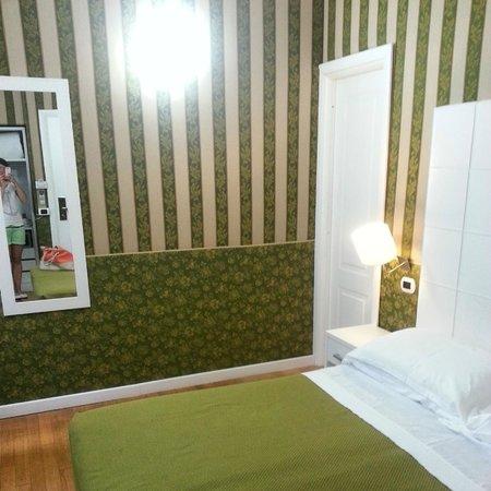 Trevi 41 Hotel: Camera verde