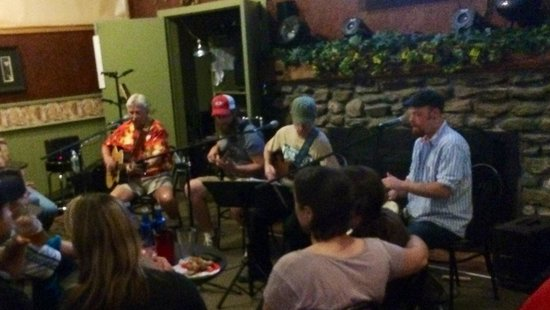 Smugglers' Notch Resort: Good Time Charlie with the Smuggs House Band at Bootleggers Lounge. An awesome night!