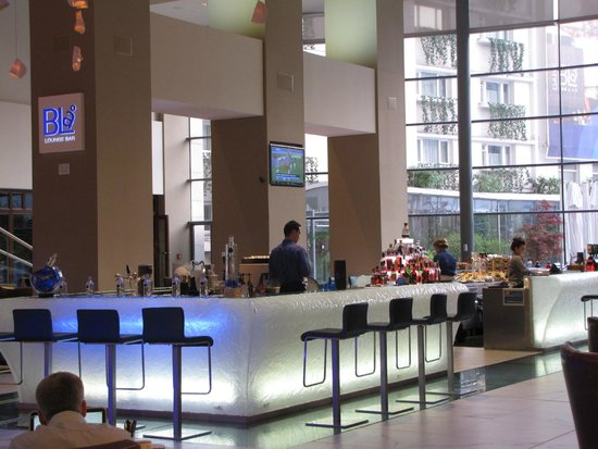 Radisson Blu Hotel Bucharest: Lobby bar