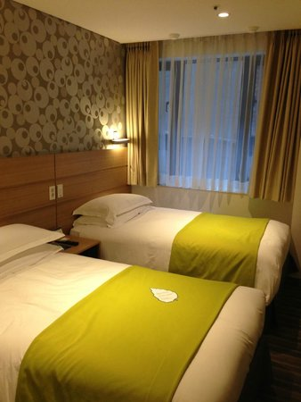 Nine Tree Hotel Myeong-dong : Room with twin beds