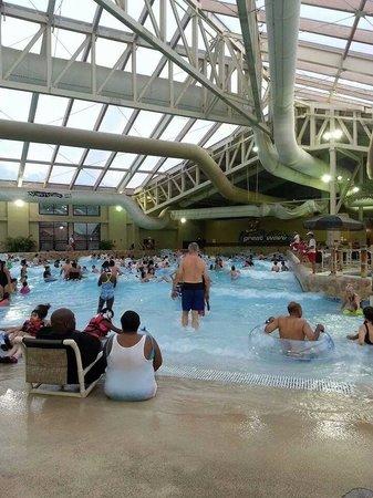 Wilderness Resort: Wave pool.