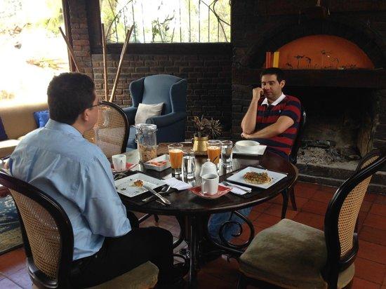 La Colina Hotel Cottage: Disfrutar de una buena compañía