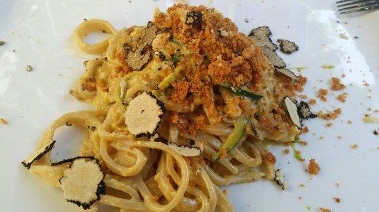 Osteria Piazzetta dell'Erba: Carbonara di zucchine e tartufo