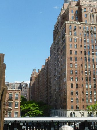 High Line : A view from the walk.