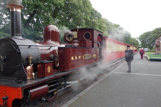 Isle of Man Bus and Rail: Choo Choo!!!!! Loved the Isle Of Man Steam Train!!