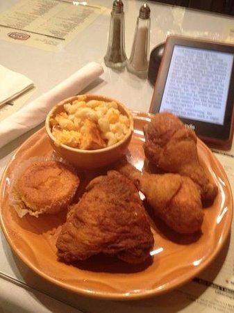 Mama J's Kitchen: friend chicken with mac n cheese