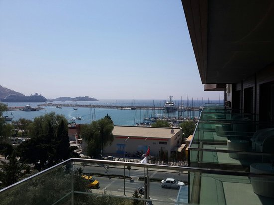 DoubleTree by Hilton Hotel Kusadasi : Balkon