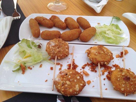 El Olivo Restaurant Gastrobar: Croquettes and lollypop cheese
