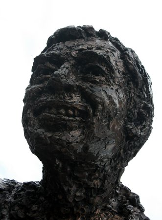 Mr. Rogers' Memorial Statue: Could use some moisturizer