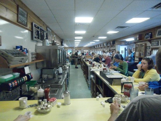 Moody's Diner : Eating at the counter