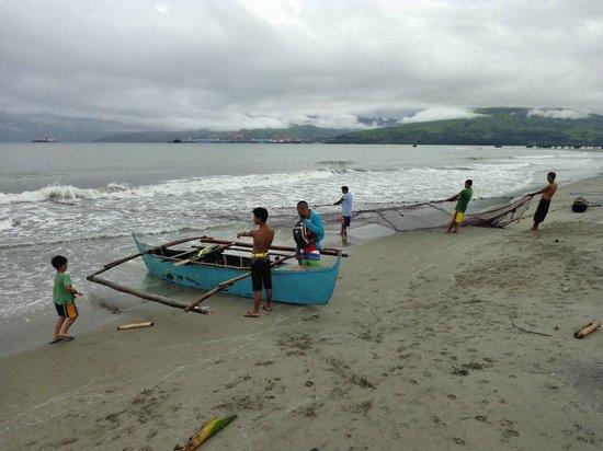Johan's Beach Resort: Local fisherman