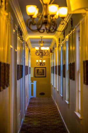 Sonora Inn: Haunting Hallway