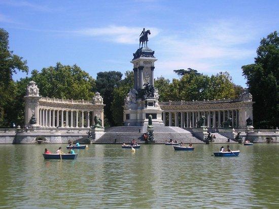 Parque del Retiro: Monumento a Alfonso XII