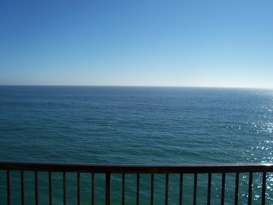 Surf & Sand Resort: View over the Pacific