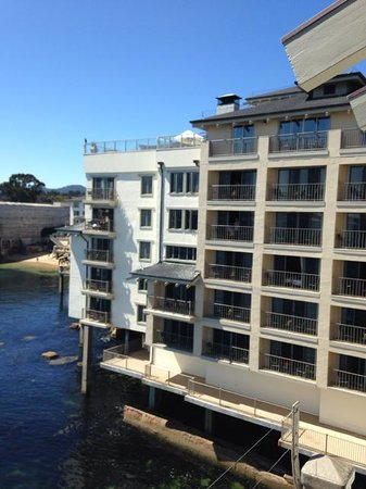Monterey Plaza Hotel & Spa: parts of the hotel are over the water