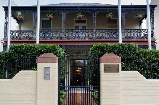Manor House Boutique Hotel Sydney: Front entrance