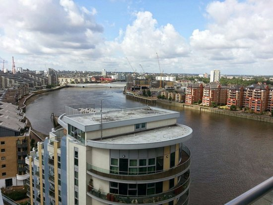 Crowne Plaza London - Battersea: View from Rose Suite