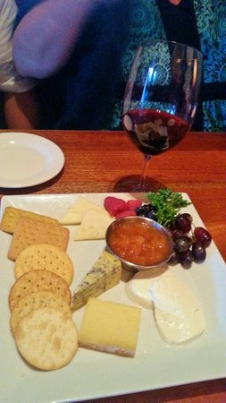 Stanford Grill: Cheese plate appetizer was great
