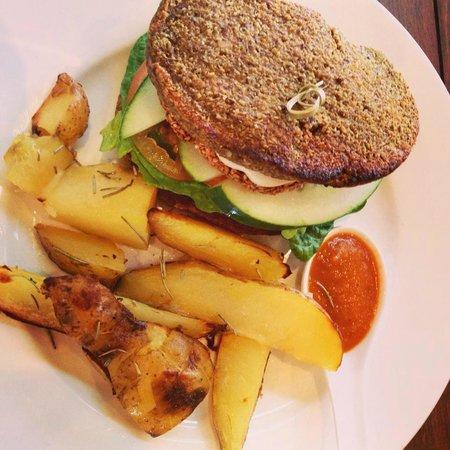 Ground Organic Living food Cafe: Raw Vegan Gluten Free burger & chippies!