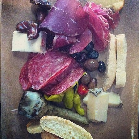 Riversdale Delicatessen and Market: Charcuterie platter for one