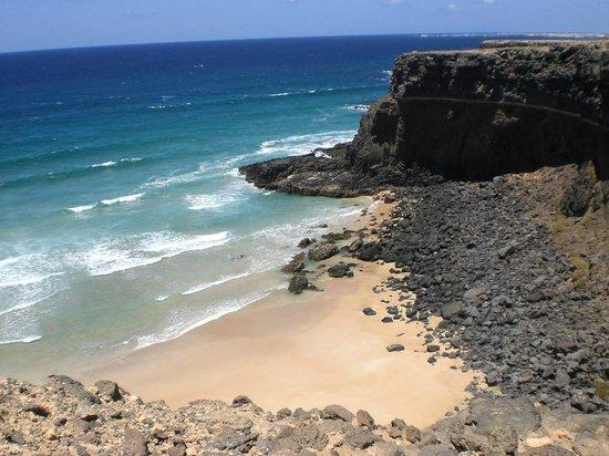 Atlantic Garden Beach Mate: Scogliere dopo la cittadina di El Cotillo
