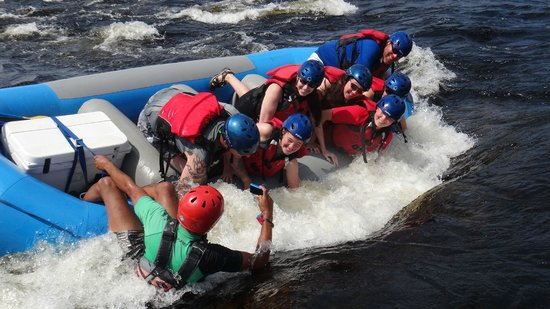 Riverfront Chalets & Rafting Newfoundland: Rafting in Exploits river