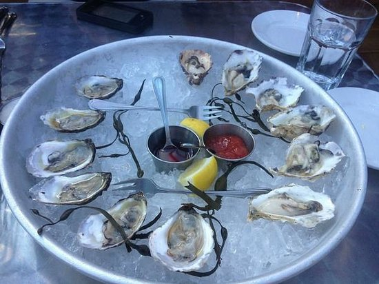 Rendezvous Bistro: Cold water oysters