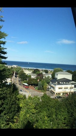 2 Village Square Inn Ogunquit: View from room #8 during the afternoon