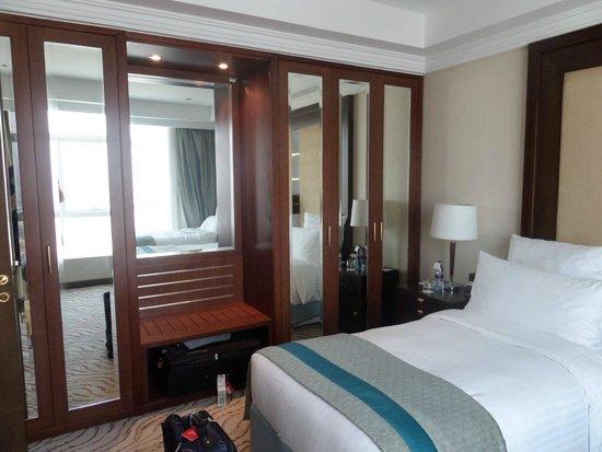 Park Regis Kris Kin Hotel: 1 bedroom