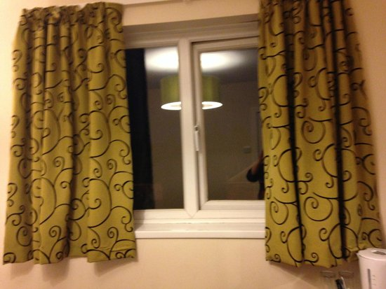 Stockwood Hotel: Curtains