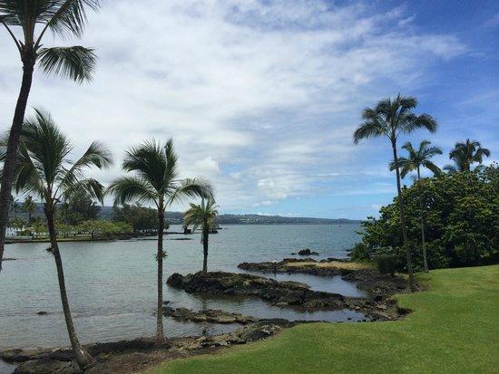 Castle Hilo Hawaiian Hotel : Hilo Bay