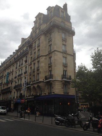 Paris France Hotel : From outside