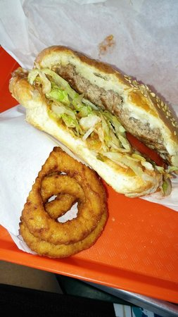 Pick's Drive In: Thin burger patty.  Small onion rings.
