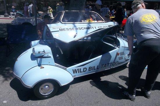 Carmel Garden Inn: Pacific Grove Little Car Show