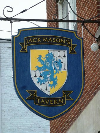 Jack Mason's Tavern: Watch for the sign - we drove past in the rain.