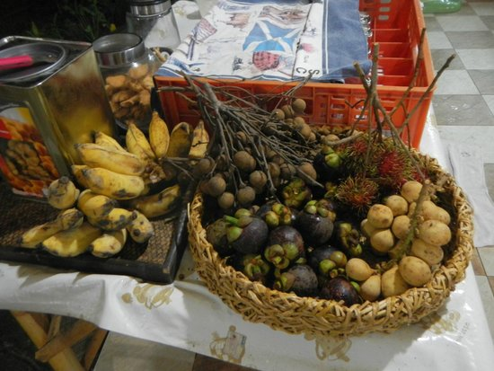 Golden Cupids Hotel: Fresh fruit everyday