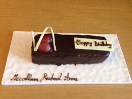 Pathumwan Princess Hotel: Birthday Cake