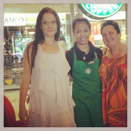 Pathumwan Princess Hotel: Friendly staff of Starbucks in MBK Centre attached to hotel