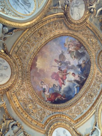 Musee du Louvre: The ceilings are as much fun to look at and read about as what is on the floor or walls.
